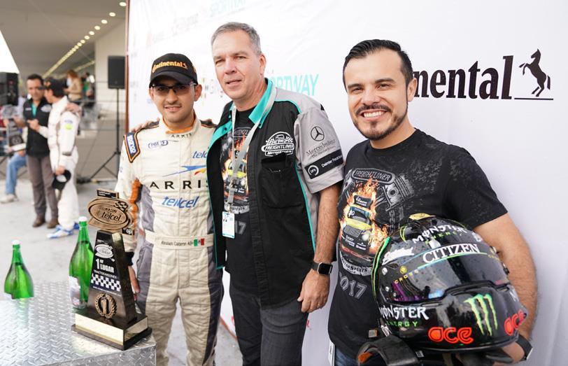 Abraham Calderón, Stefan Kürschner y Luis Vega.