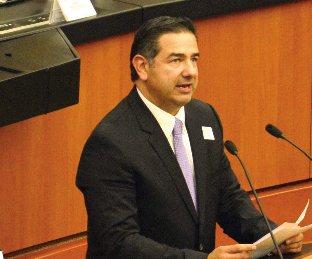 Rogelio Montemayor, Presidente de la Cámara Nacional del Autotransporte de Carga.