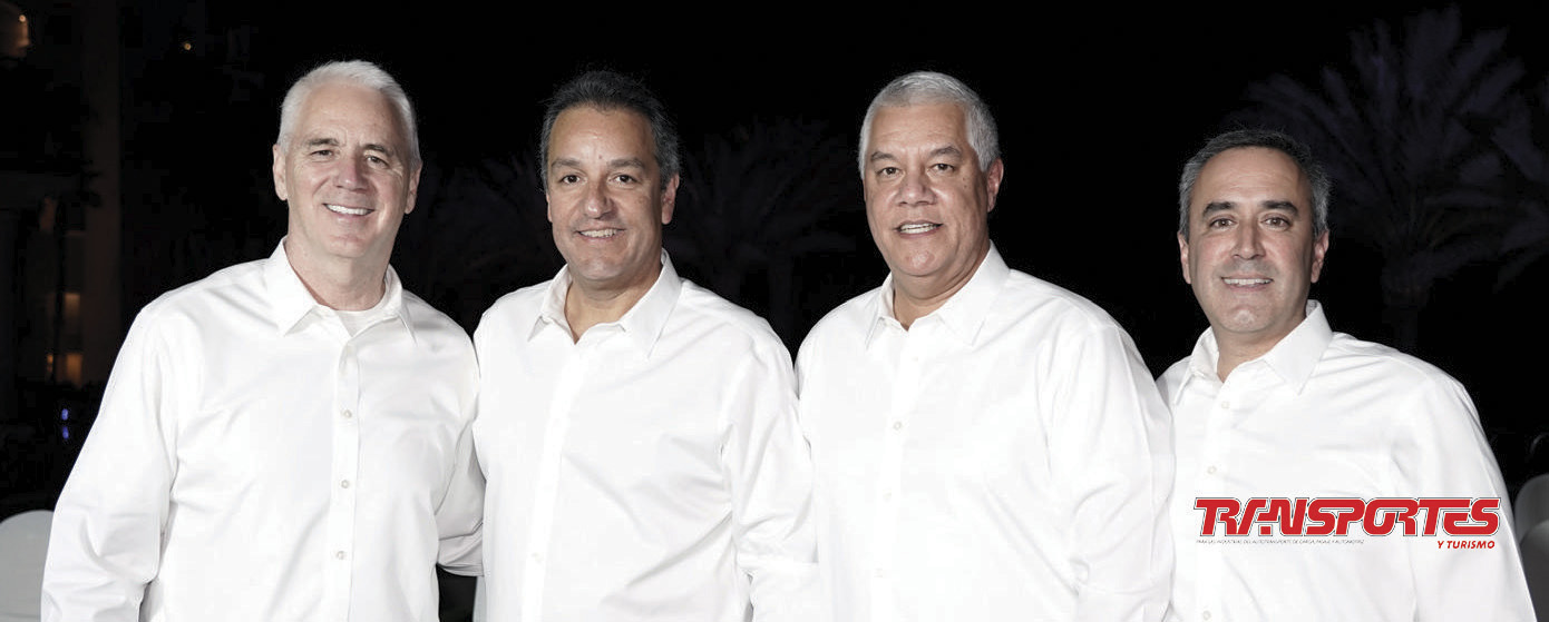 Gary Moore, Alberto Rodríguez, Renato Villalpando y Alejandro Novoa.